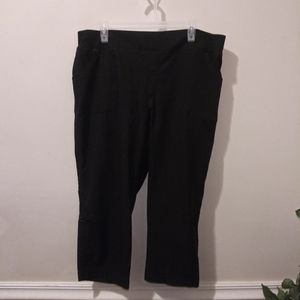 EUC JCPenney Made For Life Black Active Capris